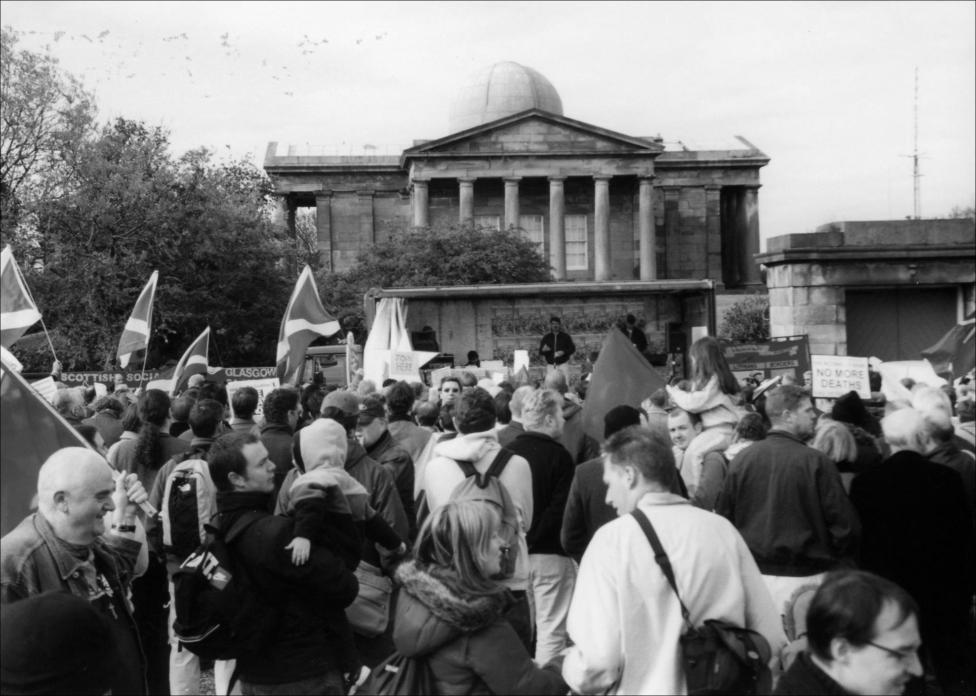 Republicans demonstrate at Calton Hill